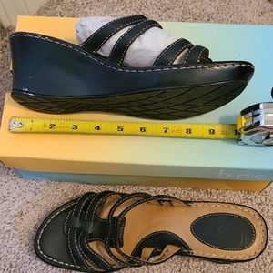 BOC Saxony wedge Sz 10 Black, New in box